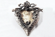 Victorian Style Floral Heart Brooch Frame for Photograph, Needlework or Art